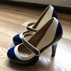 Graham Street ModCloth blue white Mary Janes 6